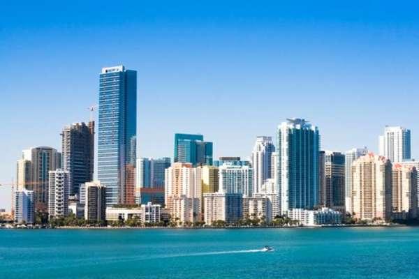 8 giorni verso Miami passando per Charlotte Amalie
