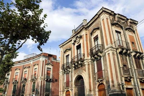 Genießen Sie Neapel auf der Costa Firenze