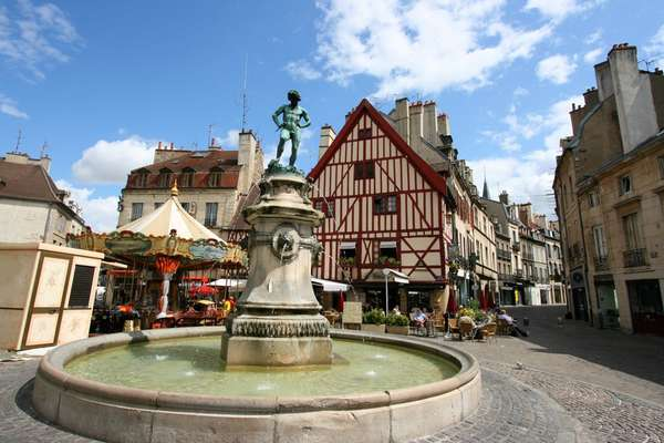 Sailing from Dijon to Port-sur-Saône
