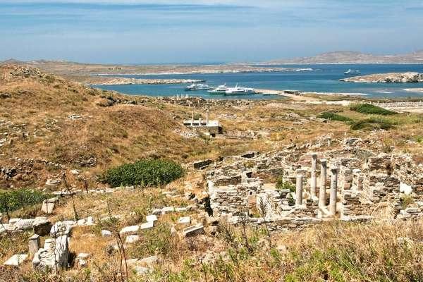 9 jours pour découvrir Syros à bord du beateau Crystal Esprit
