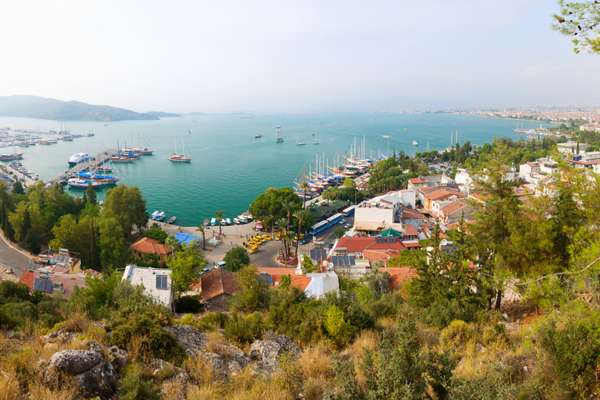 Enticing Santorini from Piraeus 8-Day Expedition