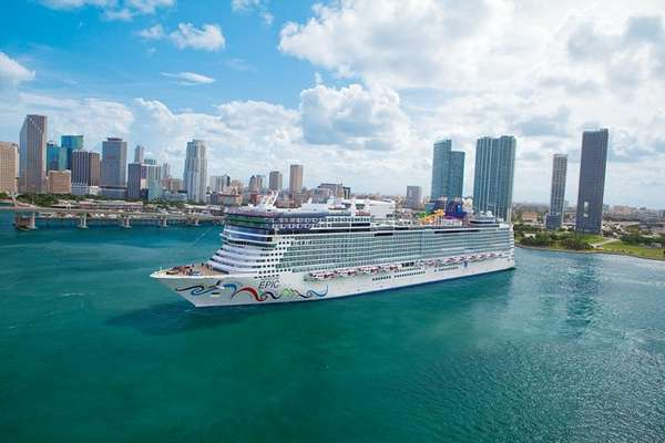 Aventura de 8 dias a bordo do Norwegian Epic