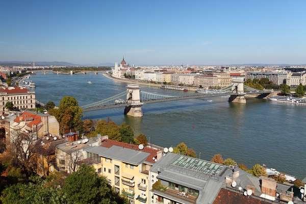 Шольт, Венгрия