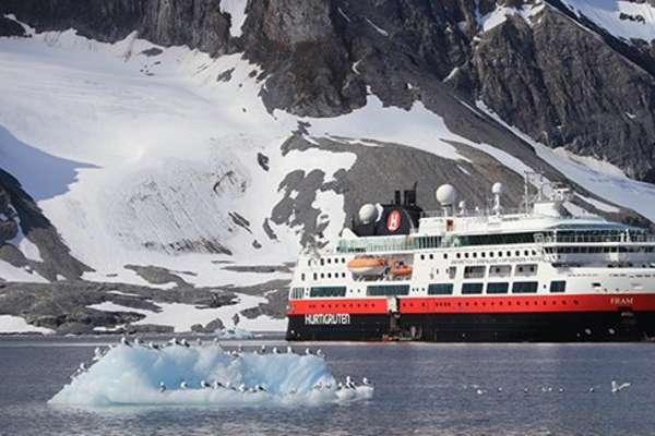 Découvrez avec Hurtigruten, la destination: Kap Stewart