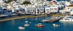 weiße Dörfer und blaues Meer