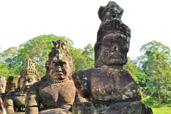 17 day cruise with the RV Indochine to Siem Reap