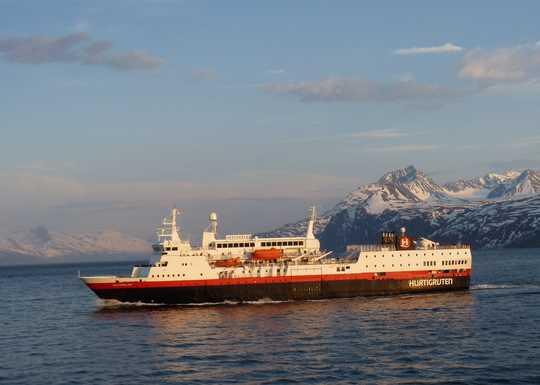 Bergen Kirkenes Bergen Ms Vester 229 Len Hurtigruten