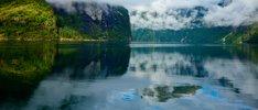 Norwegische Fjorde und Mitternachtssonne